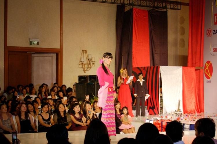 Myanmar Gag Show 2
